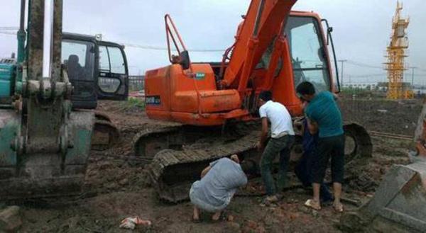 挖掘机配件