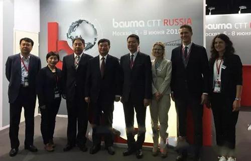 挖掘机配件报道:中国工程机械行业展团亮相俄罗斯!